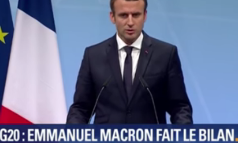 Macron 4